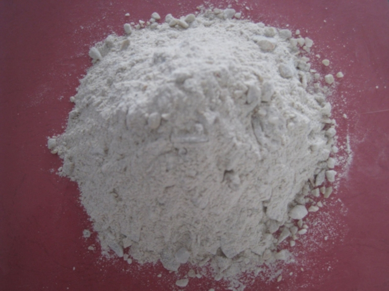 Insulating refractory castables